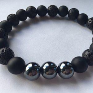 Мужской браслет из шунгита, гаметита и лавового камня
